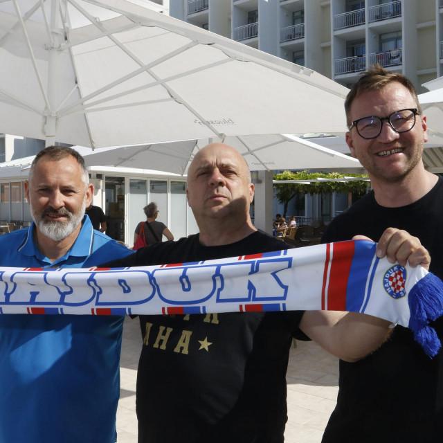 Martin Kulka, Petr Dolezal i Jan Civin s Hajdukovim šalom