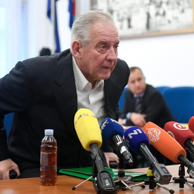 Ivo Sanader osuđen je na povrat 16 milijuna kuna i osam godina zatvora<br />