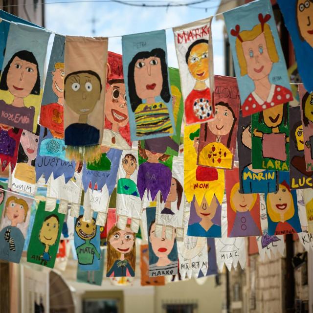 Sibenik, 120621.<br /> Centar grada ukrasen zastavicama povodom 61. MDF medjunardnog djecjeg festivala.<br />