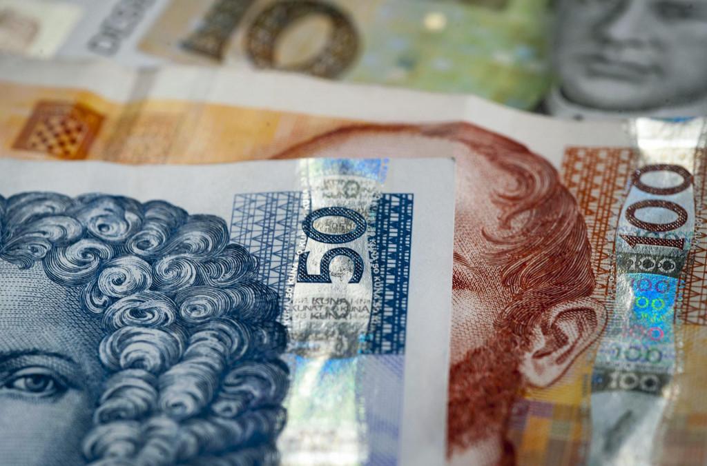 Dvojica recepcionera sumnjiče se da su trgovačko društvo u kojemu su radili oštetili za 480.529,90 kuna