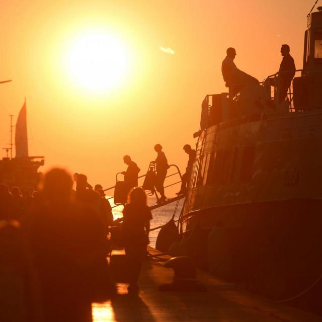 Zadarska riva i ovaj tjedan će u suton privlačiti turiste...