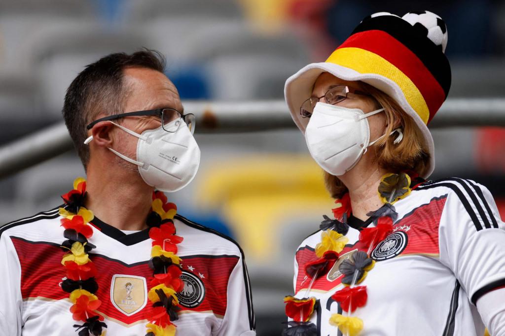 Nijemci će postupno 'demasirati'