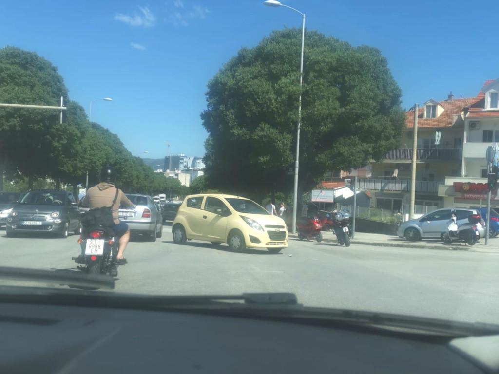 Prometna nesreća na križanju Bušićeve i Vinkovačke