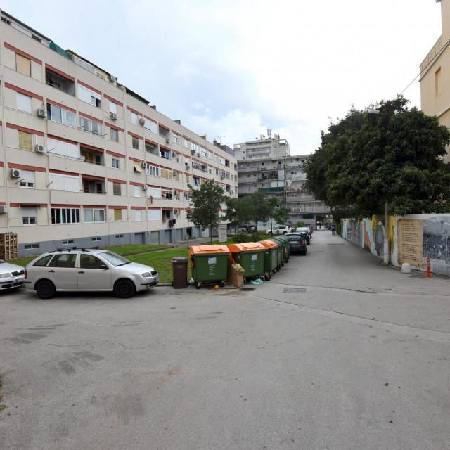 Velebitska ulica u zadarskom kvartu Vostarnica - kako do više parkirnih mjesta?