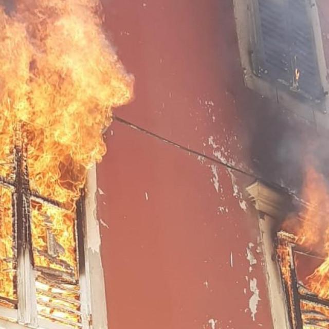Požar Narodni trg