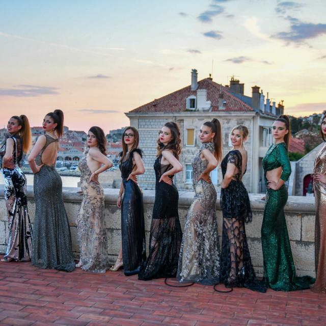 Najnovija modna kolekcija na taraci UGD