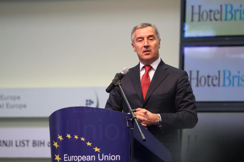 Milo Đukanović smatra da je riječ o potpunom urušavanju ugleda Crne Gore
