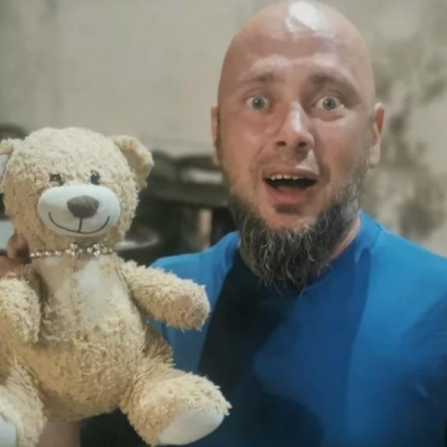 Davor Valčić i medo