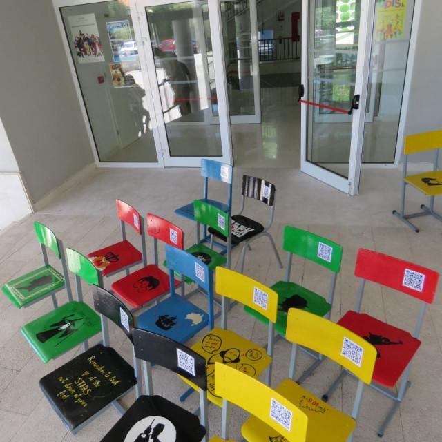 Interaktivne stolice