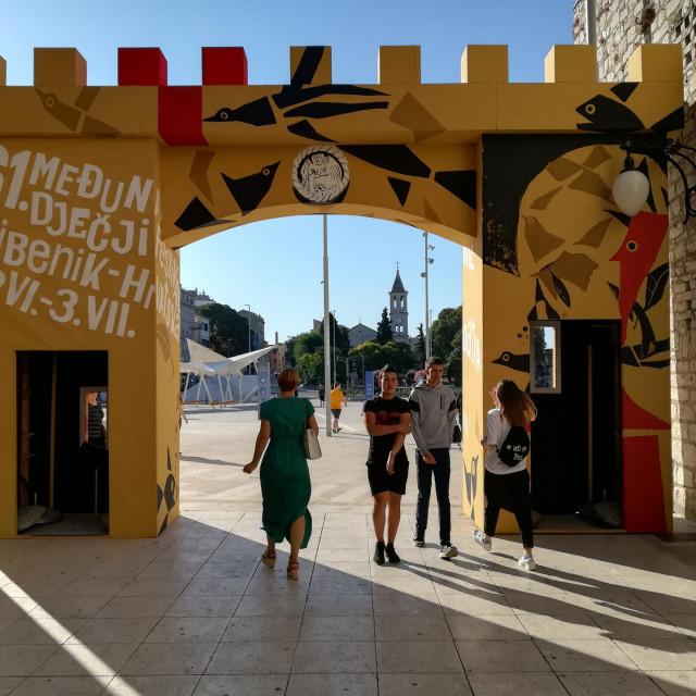 Festivalska vrata u Šibeniku