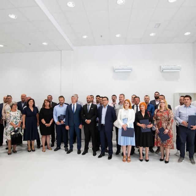 U Centru za razvoj i edukaciju u gospodarskoj zoni u Policniku odrzana je konstituirajuca sjednica skupstine Zadarske zupanije<br />