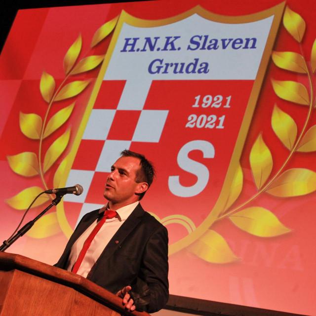 Proslava 100 godina HNK Slaven (Gruda) - predsjednik Pero Kapetanić