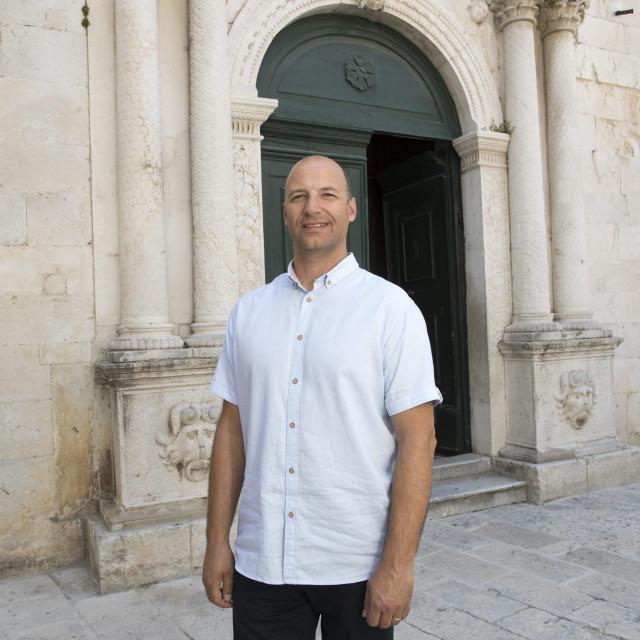 Direktor Festivala klapa Omiš Mijo Stanić