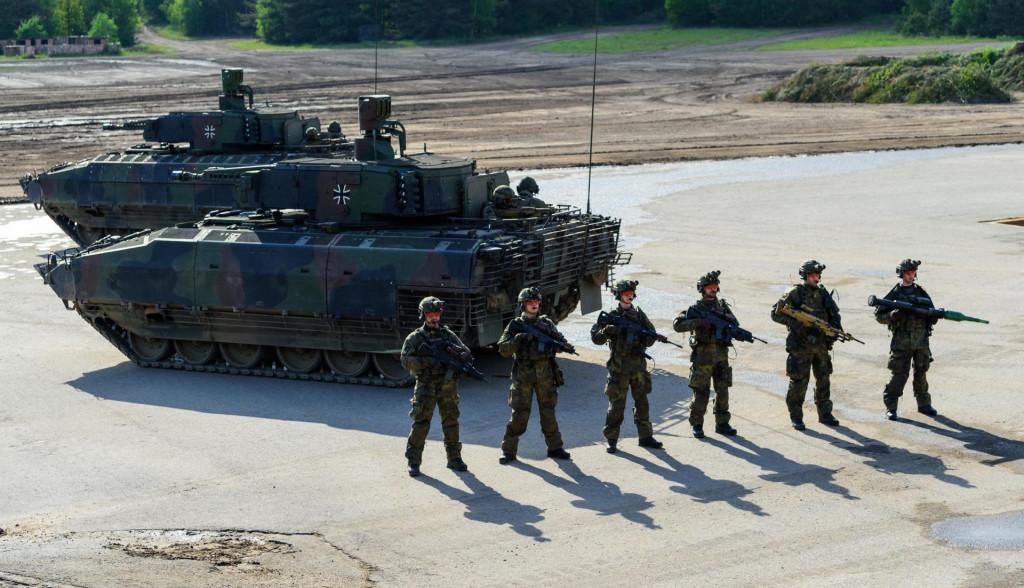 Bundeswehrovu 'robu' rado kupuju i Amerikaci, ako imaju dolara<br />