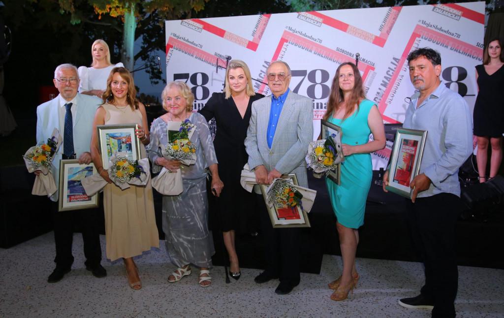 Ana Hanžeković Krznarić s laureatima