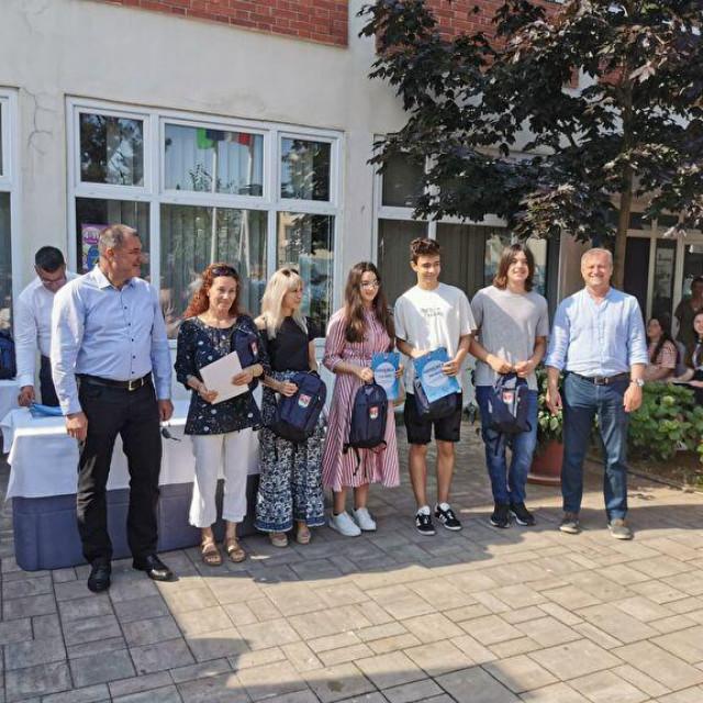 Dodijeljene nagrade i priznanja učenicima i mentorima osnovnih škola Grada Zadra