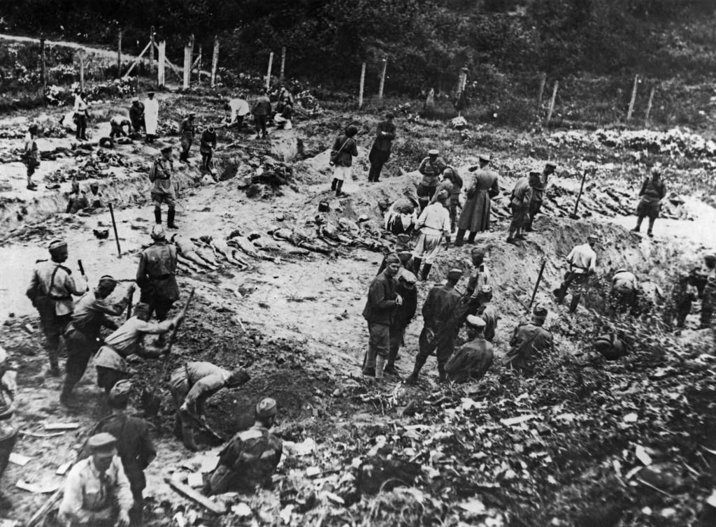 U logoruu blizini Lavova nacisti su ubili više od 200.000 ljudi, sovjetski vojnici traže žrtve
