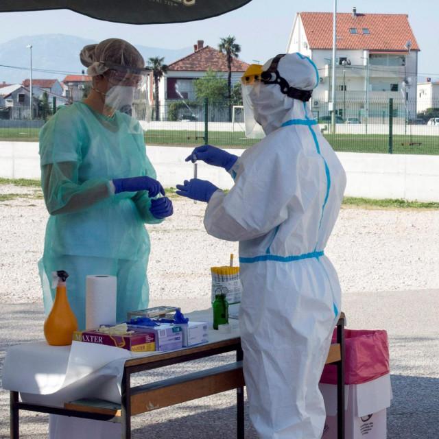 Drive in testiranje na koronavirus u Metkoviću