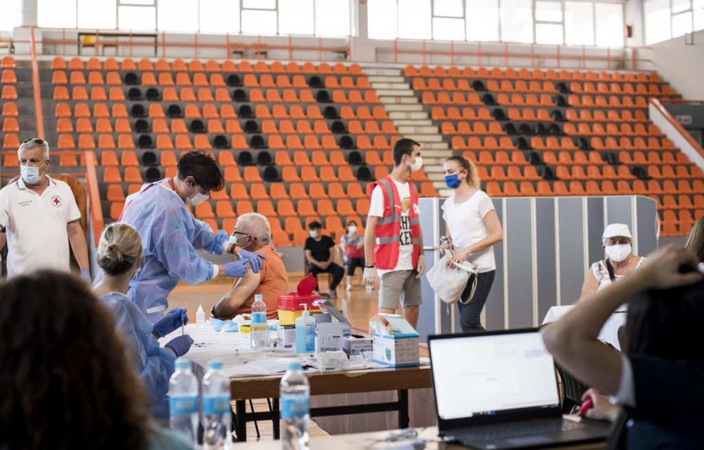 Masovno cijepljenje protiv korone u SD Baldekin