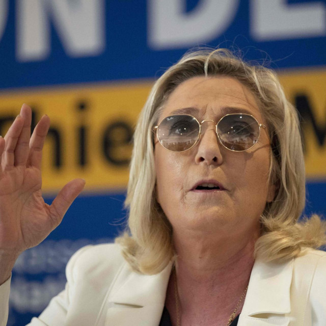 Marine Le Pen ublažila je program, više ne traži napuštanje Europske unije