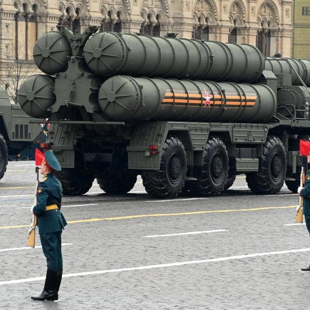 SSSR bi izvršio selektivni nuklearni protunapad da podijeli saveznike