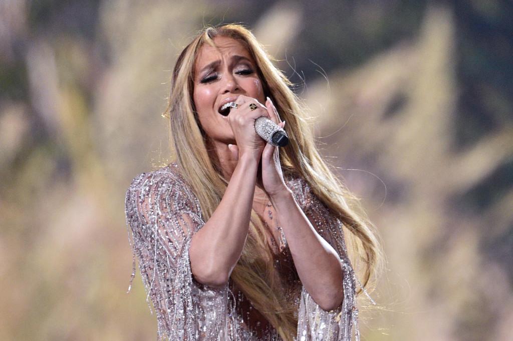 Američka pjevačica Jennifer Lopez već je mjesecima uznemirena zbog lažnih poziva