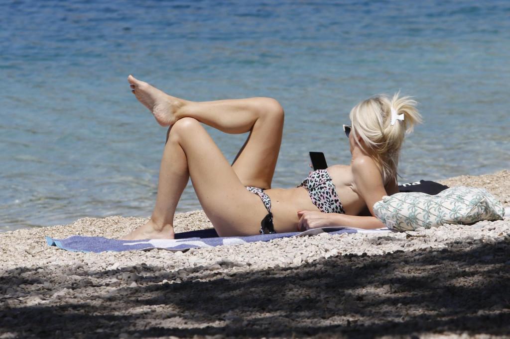 Izlaganje sunčevoj svjetlosti 15 do 20 minuta dnevno u ljetnim mjesecima ne bi smjelo biti teško
