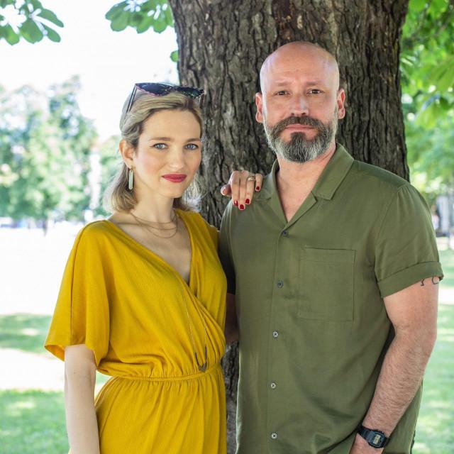 Aljoša mašta o koncertu u Ljetnom kinu Tuškanac, Antonia na Peristilu ili Rivi:Fali mi Split, pa možda zbog toga...