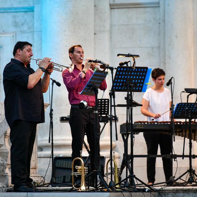 Koncert Dubrovačkog simfonijskog orkestra ispred crkve sv. Vlaha