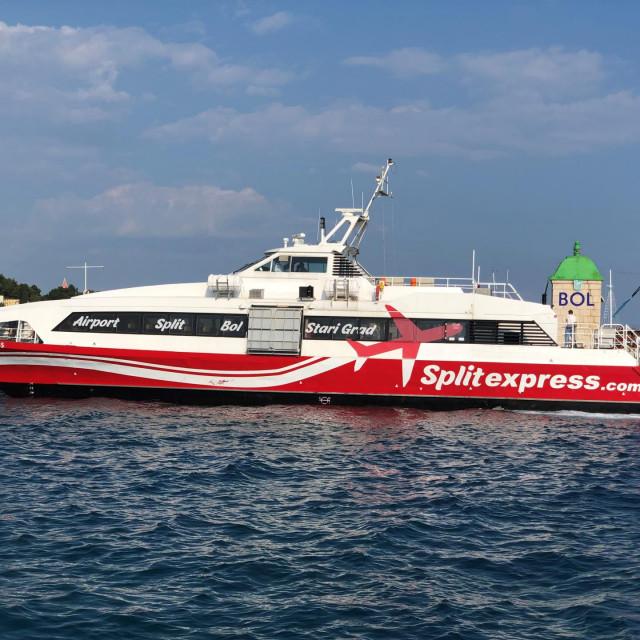 Brzi brod 'Adriatic Express' dio je flote kompanije na čijem je čelu bivši direktor 'Jadrolinije'