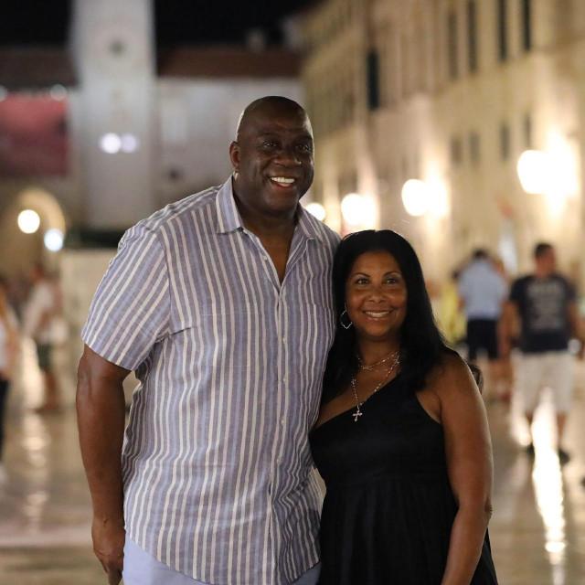 Magic Johnson je 13. kolovoza 2020. prošetao Stradunom sa suprugom Cookie
