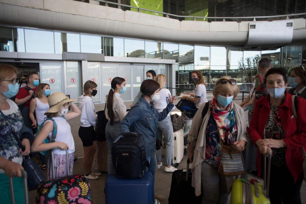 Turisti pristižu u Malagu, Španjolska se polako vraća u ritam normalnog života