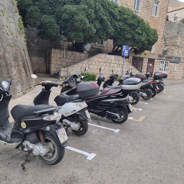Besplatno parkiralište za motocikle