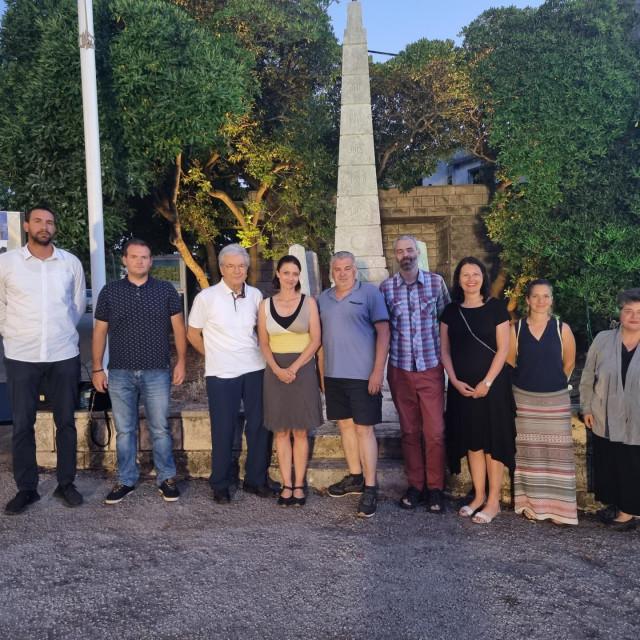 Obilježeno 100 godina od izgradnje kamenog spomenika isklesanog u čast kraja talijanske okupacije 1921. godine