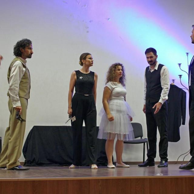 Zaljubljenici opere u ponedjeljak 28.06.2021. mogli su prvi put uživati, u rodnom mjestu Tina Pattiere, sjajnoj izvedbi Mozartove opere Don Giovanni