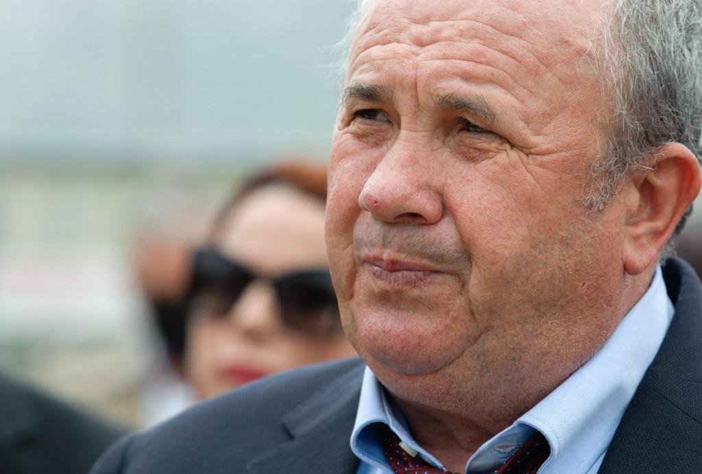Split, 010521.<br /> Zeljko Kerum, kandidat HGS-a za gradonacelnika Splita, listu svoje stranke za predstojece lokalne izbore predstavlja kod igralista u Kopilici.<br />