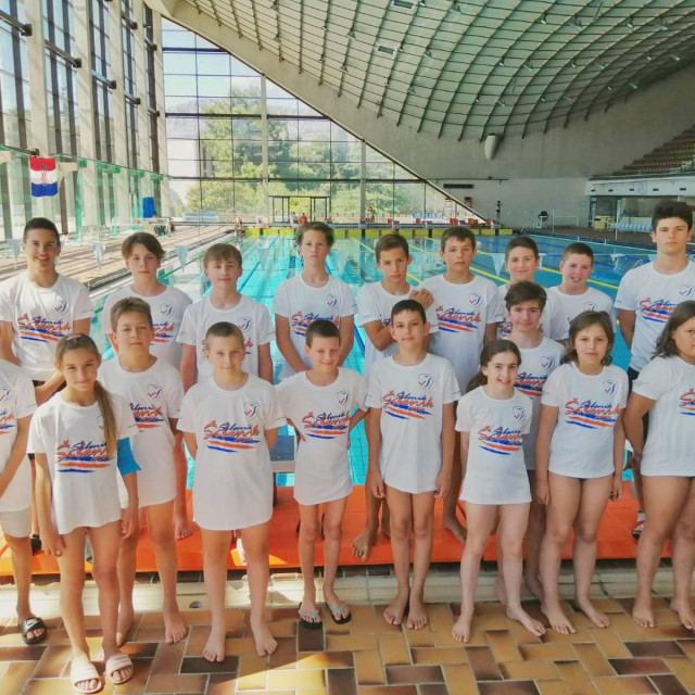 Plivačice i plivači Šibenika nastupili na natjecanju u Splitu