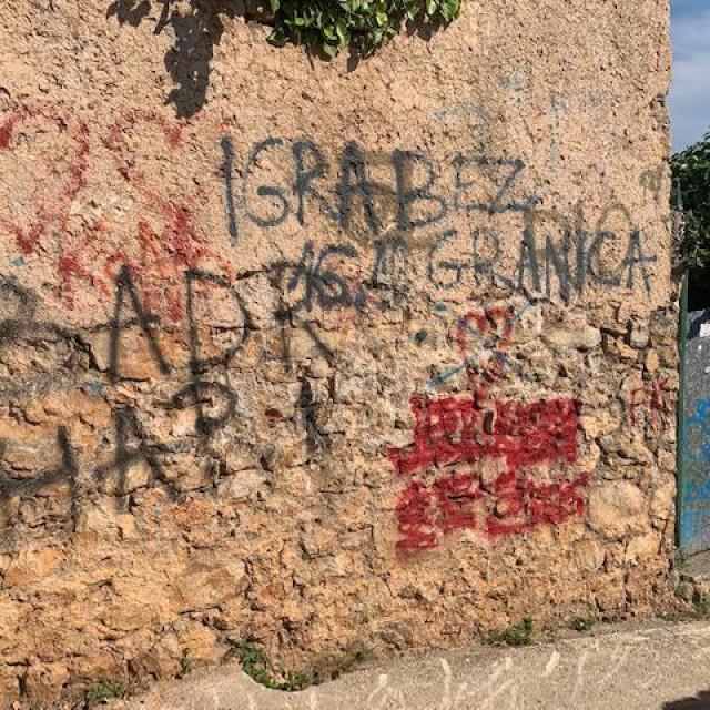 Grafita nisu pošteđene ni manje prometne ulice Grada