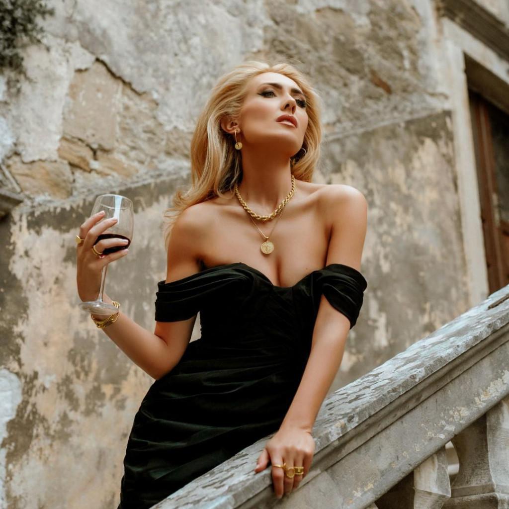 Ivana Mišerić u kampanji za modni nakit:Uvijek mi je radio baza, kad razmišljam o pothvatima, moraju biti dobro usklađeni...