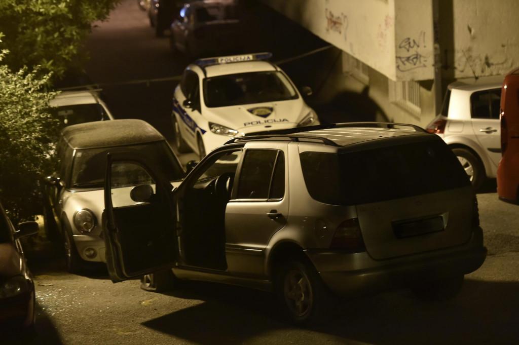 Nakon ekplozije M.P. je izletio iz Mercedesa, ali nije ozlijeđen<br />