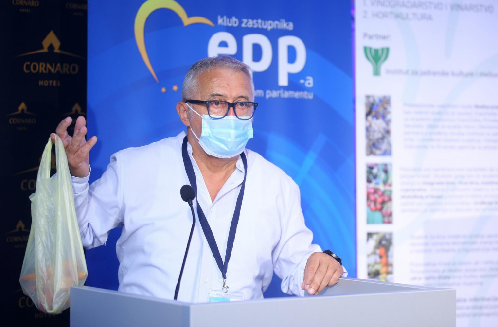 Dr. sc. Anđelko Milardović