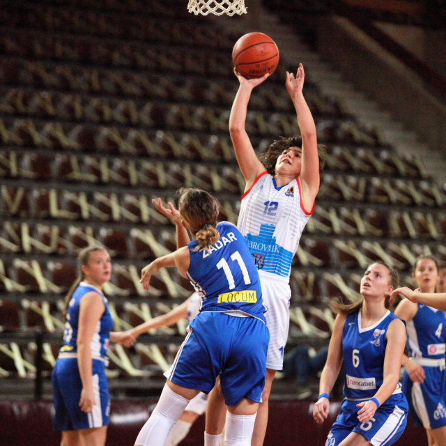 Ragusa iznad svih - Ella Majstorović je i sa seniorskom ekipom osvojila naslov prvaka Hrvatske, te Kup Hrvatske, a sad i naslov prvaka s mlađim kadetkinjama
