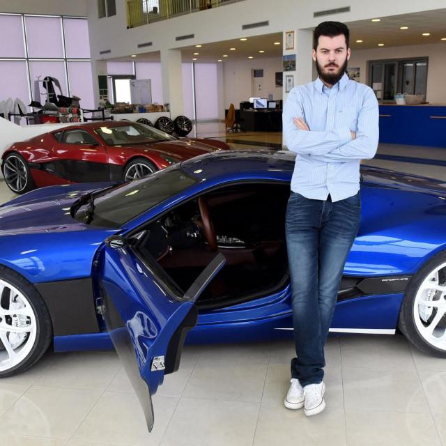 S Bugatti-Rimcem mali svijet supersportskih automobila dobiva novi poredak, piše Frankfurter Allgemeine Zeitung