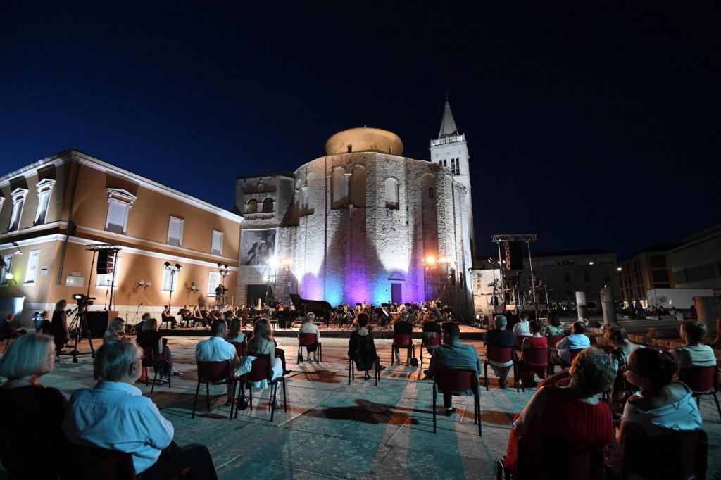 Koncertom Simfonijskog orkestra HRT-a sinoć su otvorene 61. Glazbene veceri u sv. Donatu
