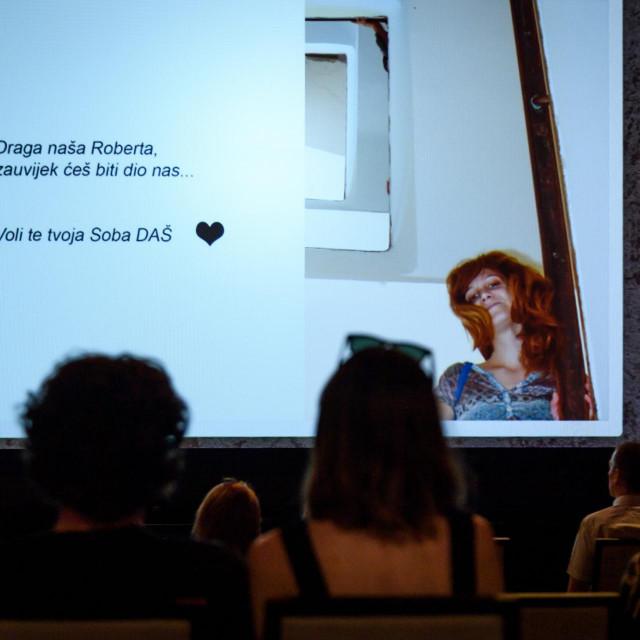 <br /> U kući umjetnosti Arsen, Društvo arhitekata Šibenika DAS održalo je komemoraciju za preminulu arhitekticu Robertu Škugor.<br />