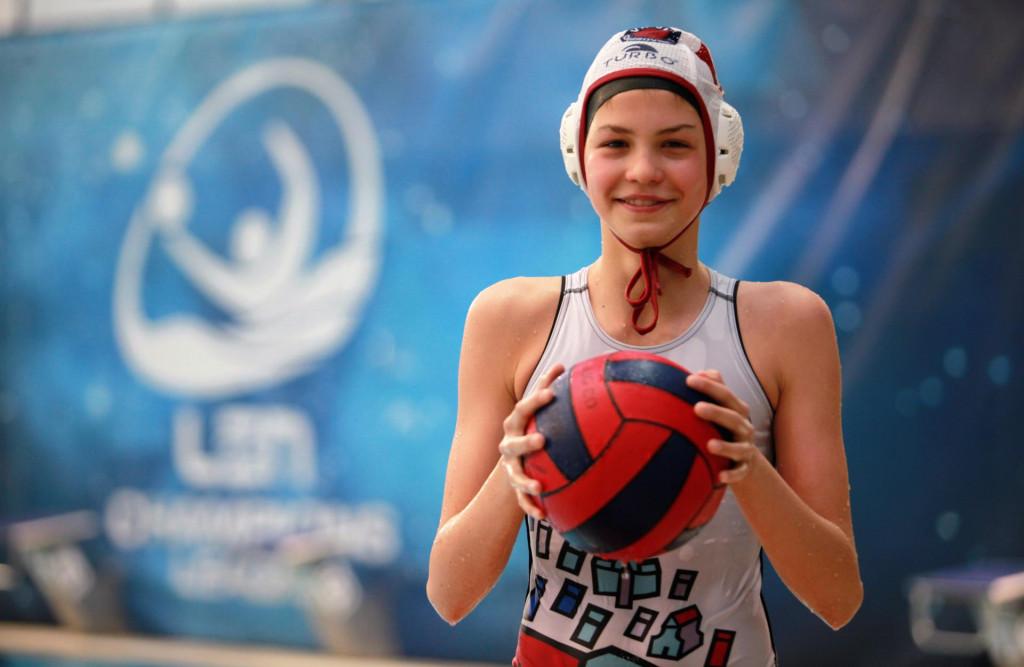 Nika Alamat (ŽVK Jug, U15 reprezentativka Hrvatske), rođena 2006., igra na vanjskim pozicijama