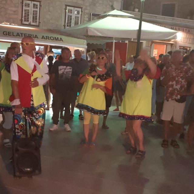 U subotu je u Primoštenu održan 14. ljetni karneval