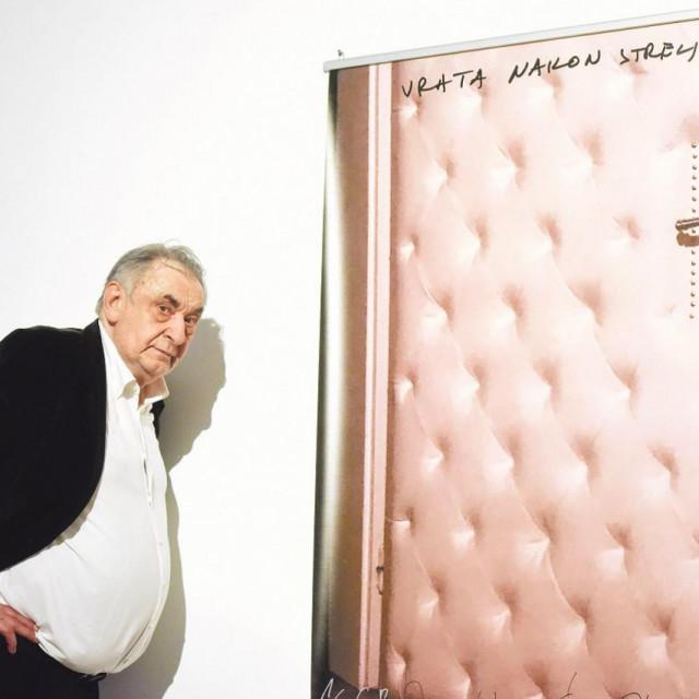 Boris Bućan kraj svojih 'Vrata nakon streljanja'<br />