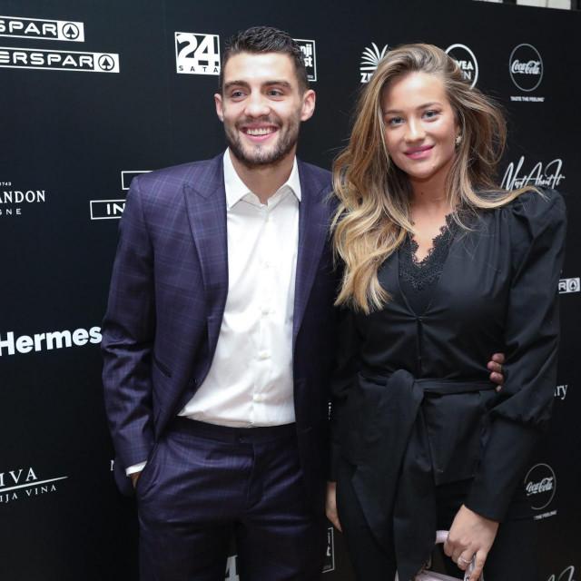 Mateo i Izabel Kovačić, snimljeni na promociji Modrićeve biografije