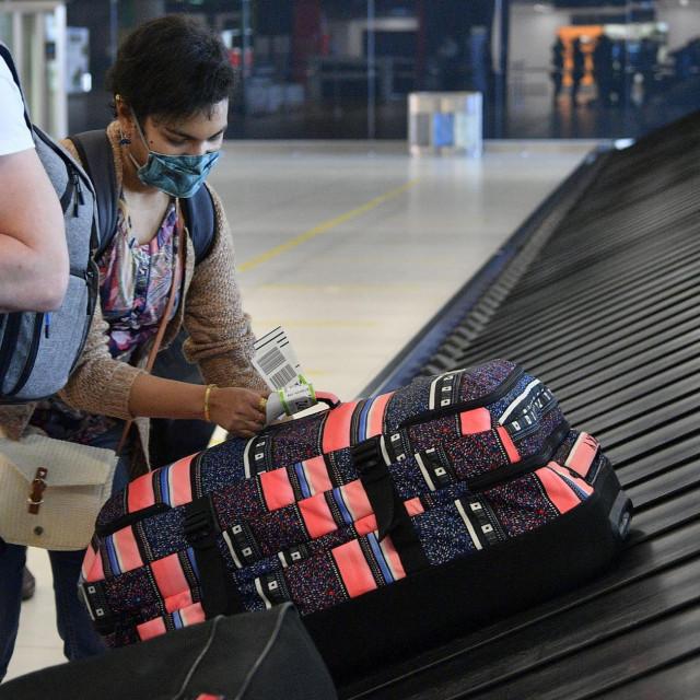 U zagrebačkoj zračnoj luci uhićen je 32-godišnji državljanin Brazila koji je pokušao prokrijumčariti 2,5 kilograma kokaina skrivenog u prtljazi